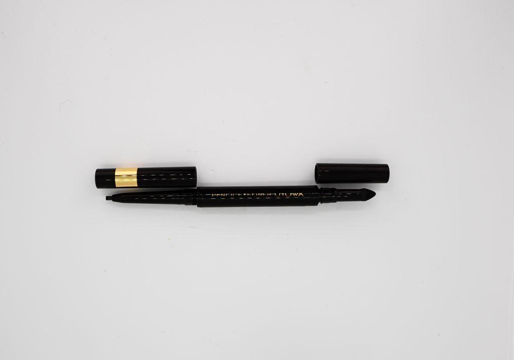 細いラインが簡単に描けて使いやすいペンシルアイライナー